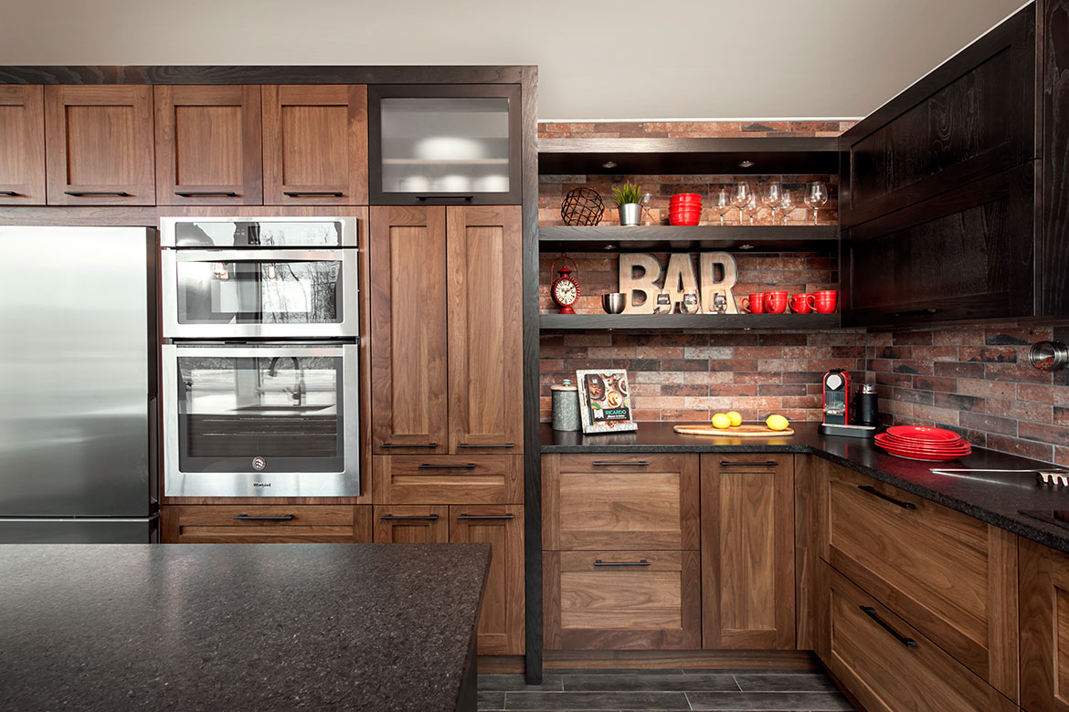 Personalized bar area in the kitchen