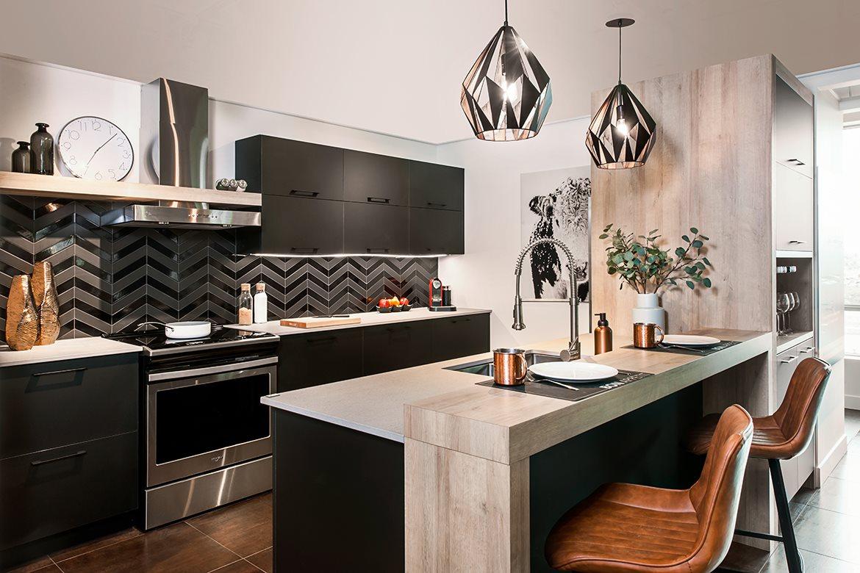 Black kitchen for a harmonious look